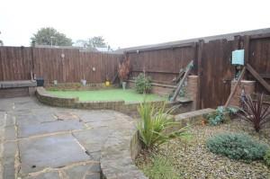 Pleasant Front Garden