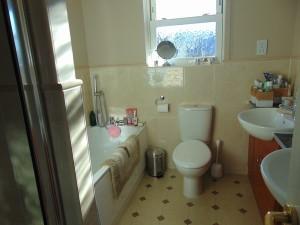 Half Tiled En-Suite