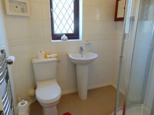 Fully Tiled Shower Room