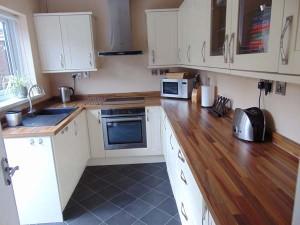 Excellent Newly Installed Kitchen