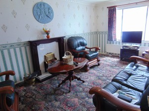 Pleasant Lounge