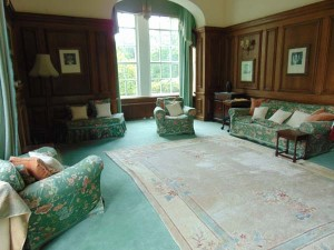 Impressive Drawing Room (South and West Facing)
