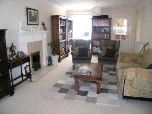 Delightful Spacious Lounge