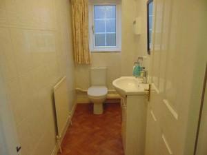 Fully Tiled Cloakroom