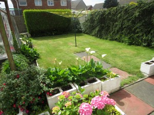 Pleasant Well Laid Out Sunny South Facing Rear Garden
